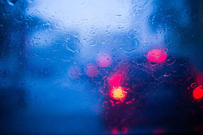 driving-in-rain-night